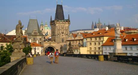 Offerte e Pacchetti viaggio Natale a Praga partenza con voli da ...